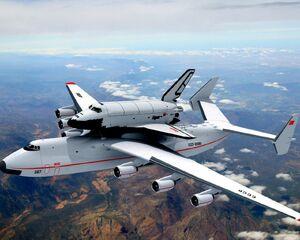 Space-shuttle-an-mriya-with-buran-soviet-antonov-aircrafts-free-152945