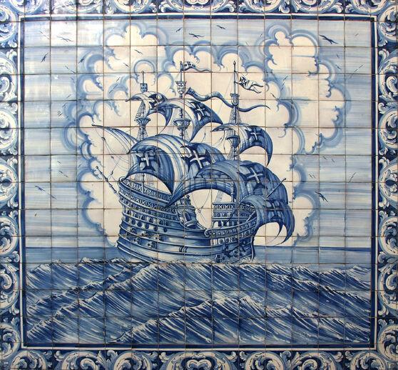 Azulejos of a caravel - Lisbon redressé