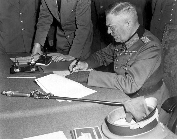 File:Wilhelm Keitel Kapitulation.jpg