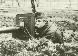 Magyar katona pancelrem-mel 1944