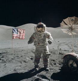 800px-Apollo 17 Cernan on moon