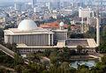 220px-Istiqlal Mosque Monas.jpg