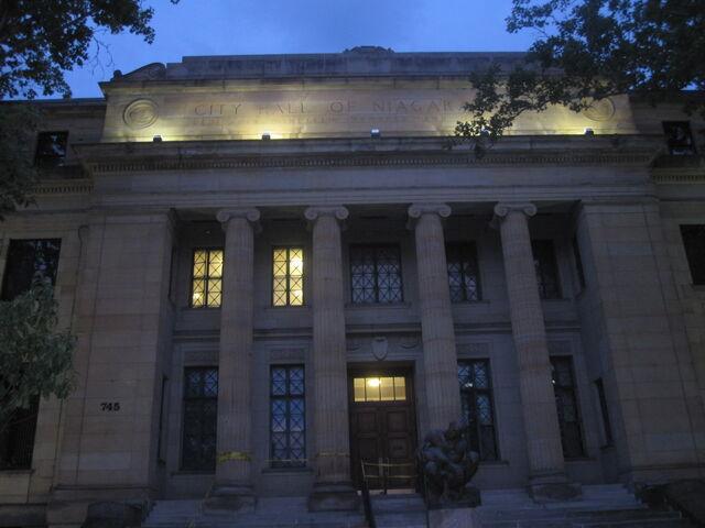 File:Niagaracityhall.jpg