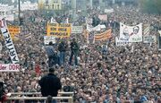 Bundesarchiv Bild 183-1989-1104-437, Berlin, Demonstration am 4 November