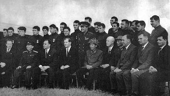 После вручения боевых наград Родины, Ханой, январь 1966