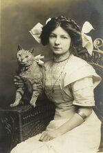 Young Lady with her cat, 1910