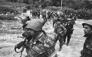 Грузинские солдаты выдвигаются на передовые позиции