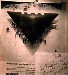 71452,1300106469,RTEmagicC UFO-belgisches-Dreieck.jpg