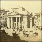 Trieste Trst oko 1880. Pazza della Borsa con la statua di Carlo VI.
