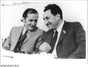 Erich Schnake junto a Alejandro Herrera Toro en 1971