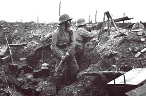 German-soldiers-at-Verdun