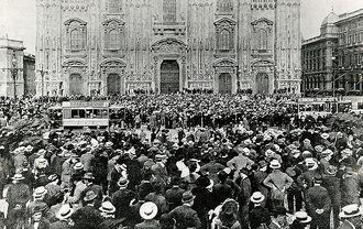 Митинг в Милане