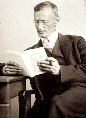 File:Hermann Hesse 1927 Photo Gret Widmann.jpg