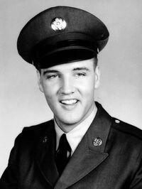 Elvis-presley in uniform