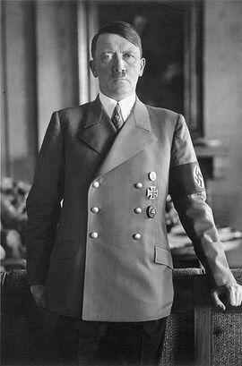 396px-Bundesarchiv Bild 183-H1216-0500-002, Adolf Hitler
