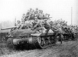 Американские солдаты на танках