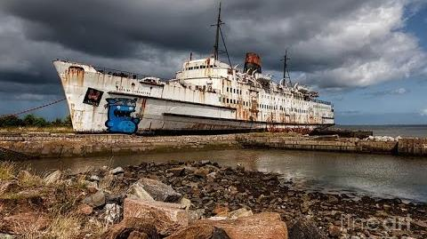 5 Creepy Abandoned Ships