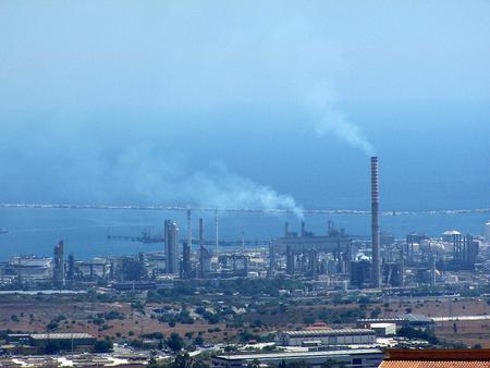 Нефтеперерабатывабщий завод