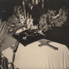 Гроб с телом ген Туркула