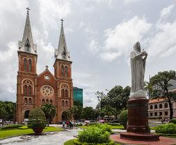 Basílica de Nuestra Señora, Ciudad Ho Chi Minh, Vietnam, 2013-08-14, DD 03