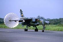 Uno de los Jaguar vuelve despues de atacar Piura