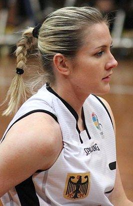 File:Edina Müller.JPG