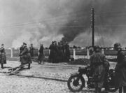 German troops watch warsaw burn