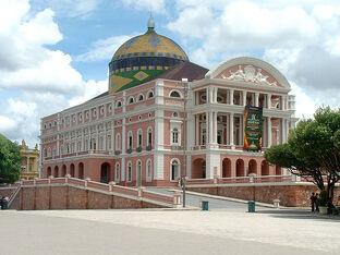 800px-Teatro amazonas