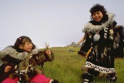 Inupiat-eskimo-girls-in-traditional-parkas 2119