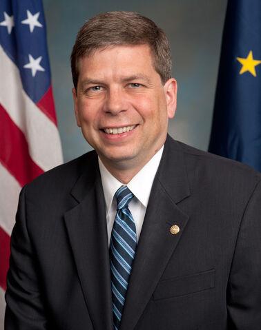 File:Mark Begich, official portrait, 112th Congress.jpg