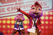 Alvin and Theodore Live on Stage!