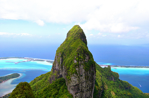 File:Bora Bora - Mt Otemanu.jpg