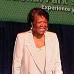 Angelou at the Discovery 2000 conference on September 13, 2000