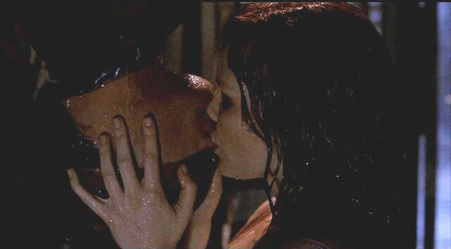 File:Spiderman kiss other side 2.jpg