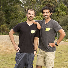 Leo & Jamal's alternate Promotional Photo for <i>The Amazing Race</i>.