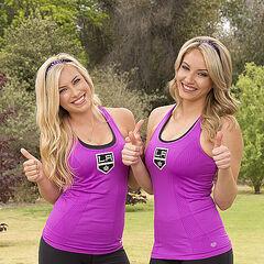 Ally & Ashley alternate promotional photo for <i>The Amazing Race</i>.