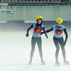 Nat & Kat doing the <i>Full Throttle</i> Detour in the eleventh leg.