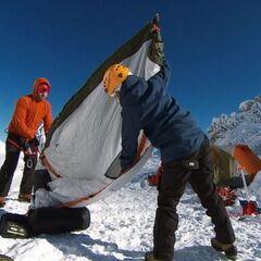 Burnie & Ashley doing the <i>Campsite</i> Detour in <a href=
