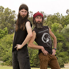 Brandon & Adam's alternate promotional photo for <i>The Amazing Race</i>.