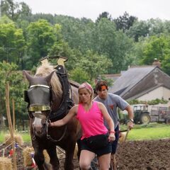 Trey & Lexi doing the <i>Plow</i> Detour in the <a href=