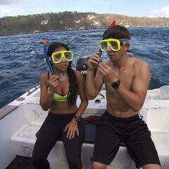 Dana & Matt prepare to go snorkeling for the next clue in <a href=