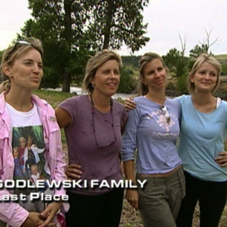 The Godlewskis were eliminated from the race in 4th place.