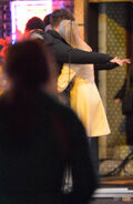 Emma-stone-andrew-garfield-kissing-set-spider-man-2-1