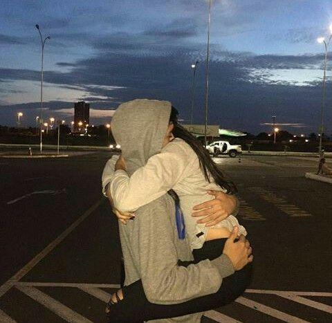 File:86499b3be04b4c03c4e41b2c4663e37b--cute-couples-hugging-couple-hugging.jpg