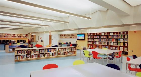 File:Atelier-Pagnamenta-Torriani-A.-E.-Smith-High-School-Library-05.jpg