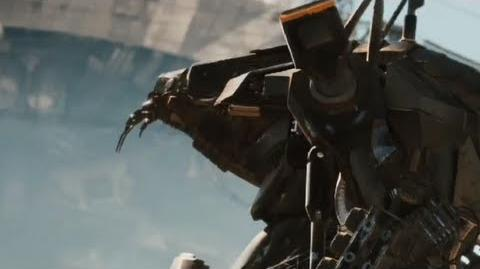 District 9 - Official Trailer 2