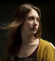Taissa-farmiga-as-violet-harmon-in-american-horror-story-1
