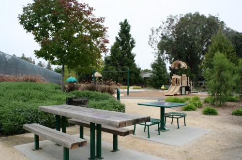 Terrain CA Saratoga AzulePark