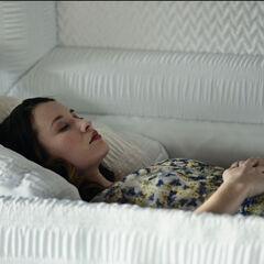 Похороны Лоры