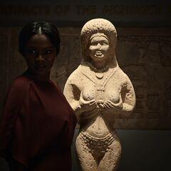 Билкис и её статуя